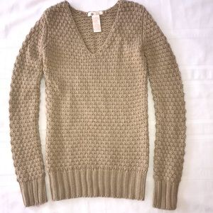 S Tulle tan knit  sweater wool blend vguc v scoop